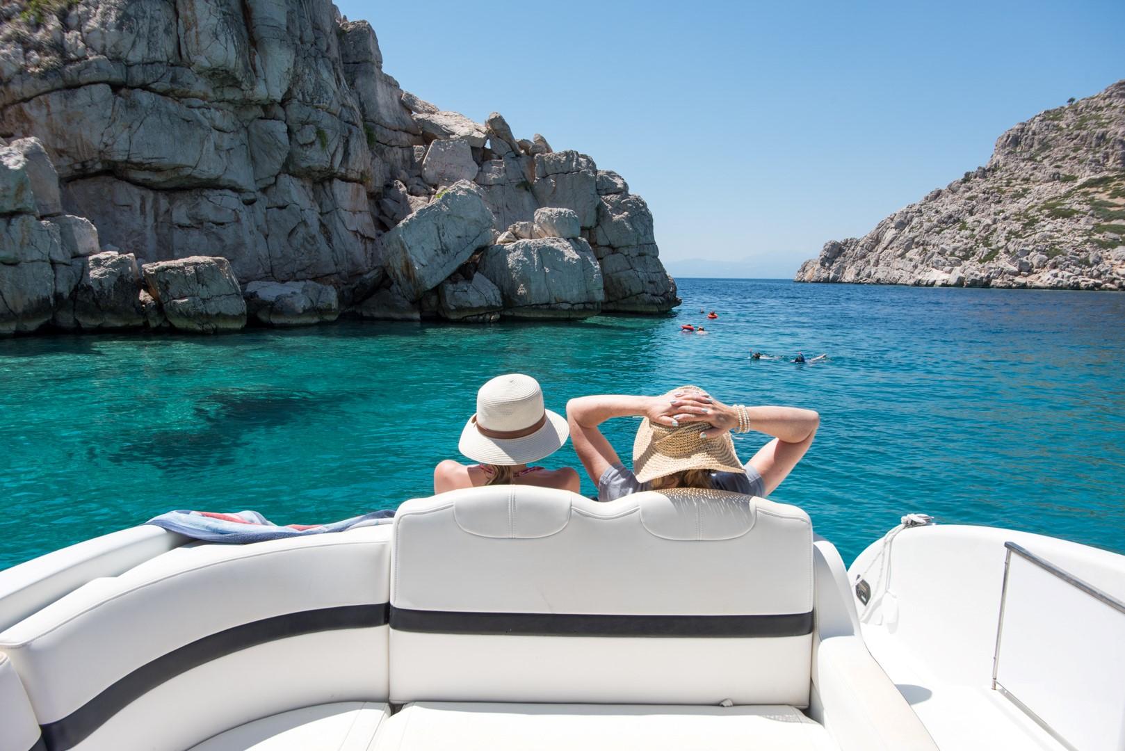 Private boat trips around Corinthian Gulf