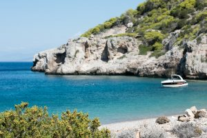 rent a boat for private boat trips in Corinthian