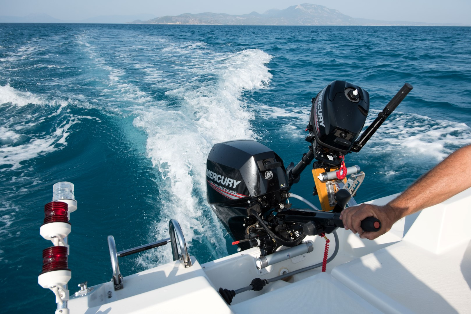 No licence boat rental for fishing around Kiato